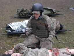 Розыск и вынос раненых из зоны поражения